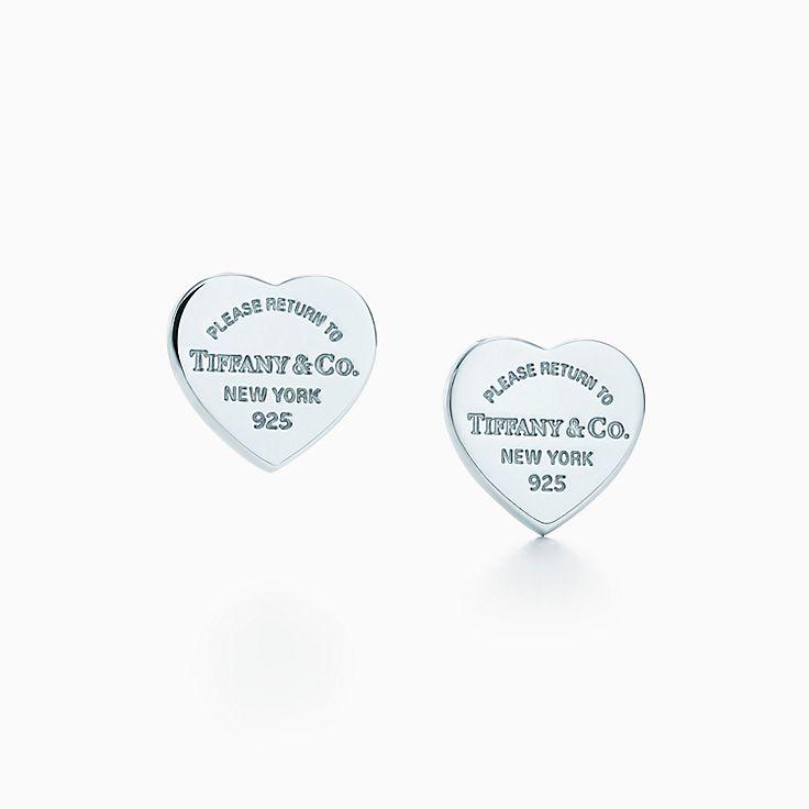 Return to Tiffany™: Aretes con placa mini estilo corazón