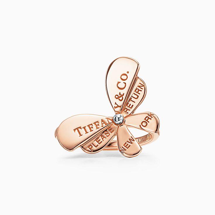 Return to Tiffany™ Love Bugs:Anillo de mariposa en oro rosa de 18 ct y plata de ley