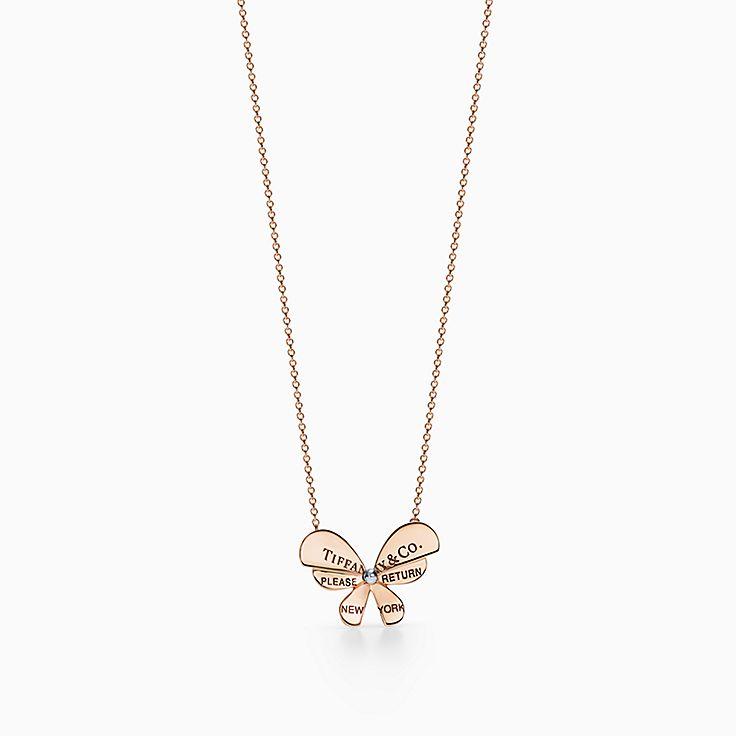 Return to Tiffany™ Love Bugs:Colgante de mariposa en oro rosa de 18 ct y plata de ley