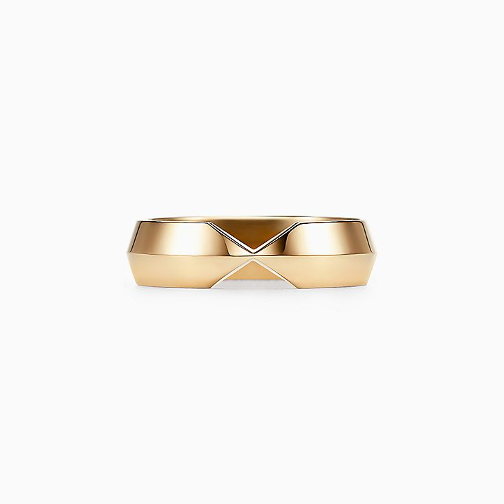 The Tiffany® Setting:Argolla ancha complementaria