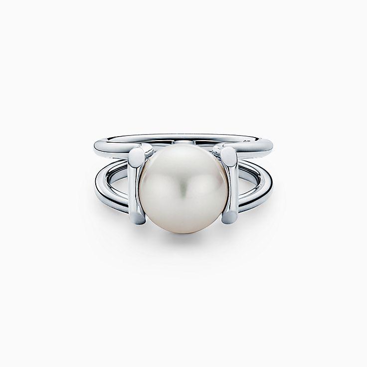 Tiffany HardWear:Кольцо из стерлингового серебра с пресноводной жемчужиной