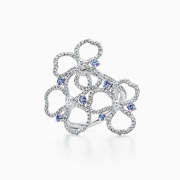 Tiffany Paper Flowers:鑽石及丹泉石鏤空花卉戒指