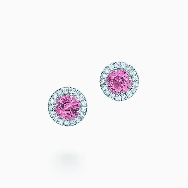 Tiffany Soleste: brincos de diamantes e safiras rosa