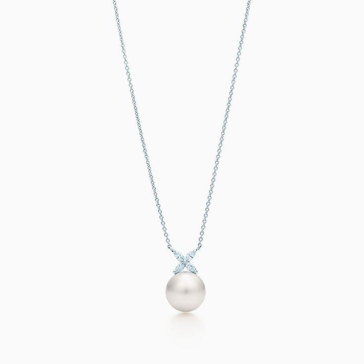 Tiffany Victoria: 진주와 다이아몬드 펜던트