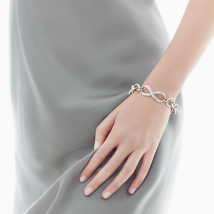 Tiffany Infinity endless bracelet in sterling silver, medium Tiffany & Co.