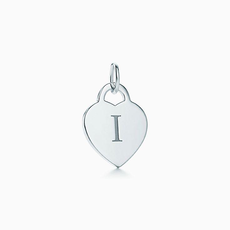 6e00fcd3ce Ciondolo lettera su piastrina a cuore Alphabet, in argento. Disp. lettere  A–Z. | Tiffany & Co.