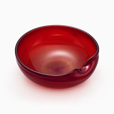 Elsa Peretti® Thumbprint bowl in handmade, mouth-blown Venetian glass, red.