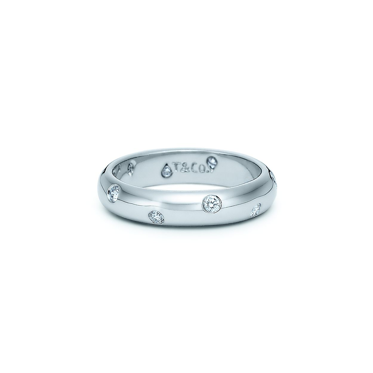 f120a4c8a57a Etoile band ring with diamonds in platinum.