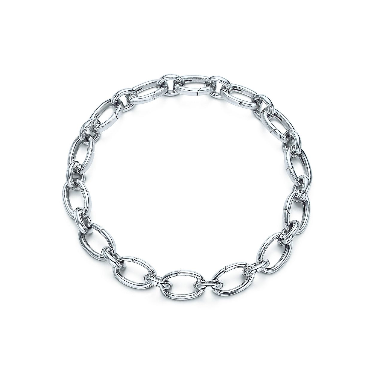 428663932 Oval clasping link bracelet in sterling silver, medium. | Tiffany & Co.