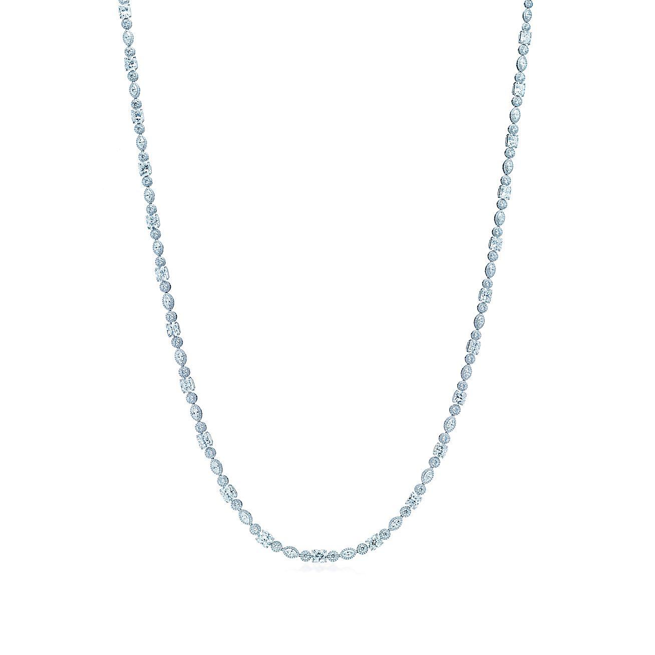 Lucida®-Diamantcollier aus Platin mit Marquise-Diamanten und runden ...