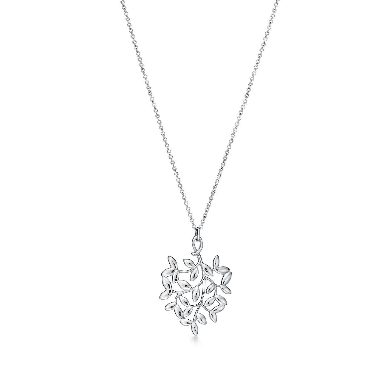 Olive leaf pendant in solid sterling silver 925.