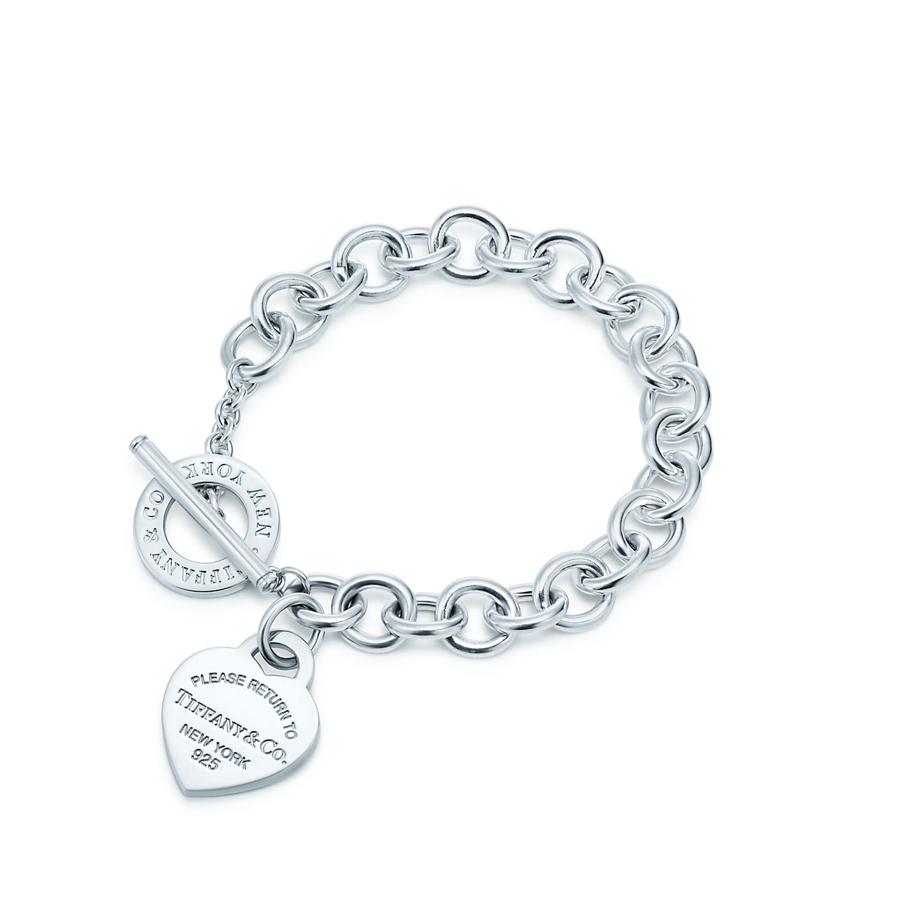 Return to Tiffany™ Medium heart tag in sterling silver on a toggle bracelet  8
