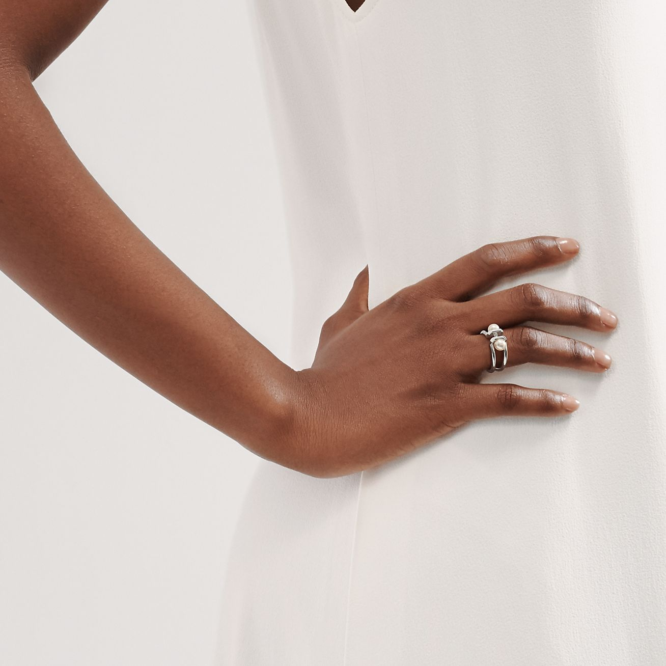 Two pearl ring
