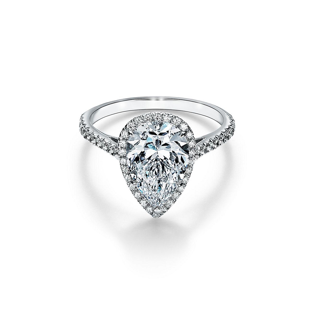 18ct White Gold Diamond Cluster Ring Nicholas Wylde