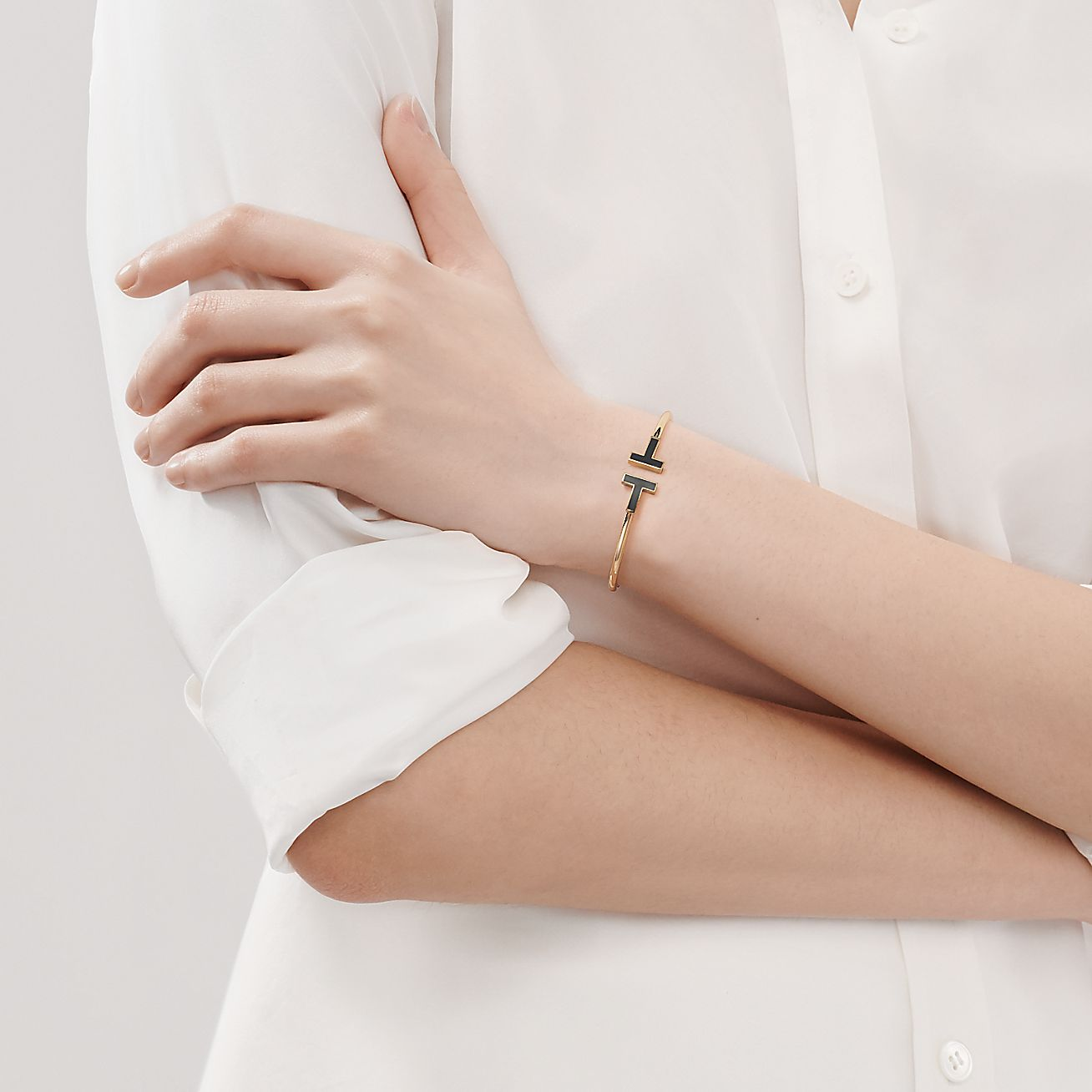 Tiffany T Black Onyx Wire Bracelet In 18k Gold Medium Tiffany Co