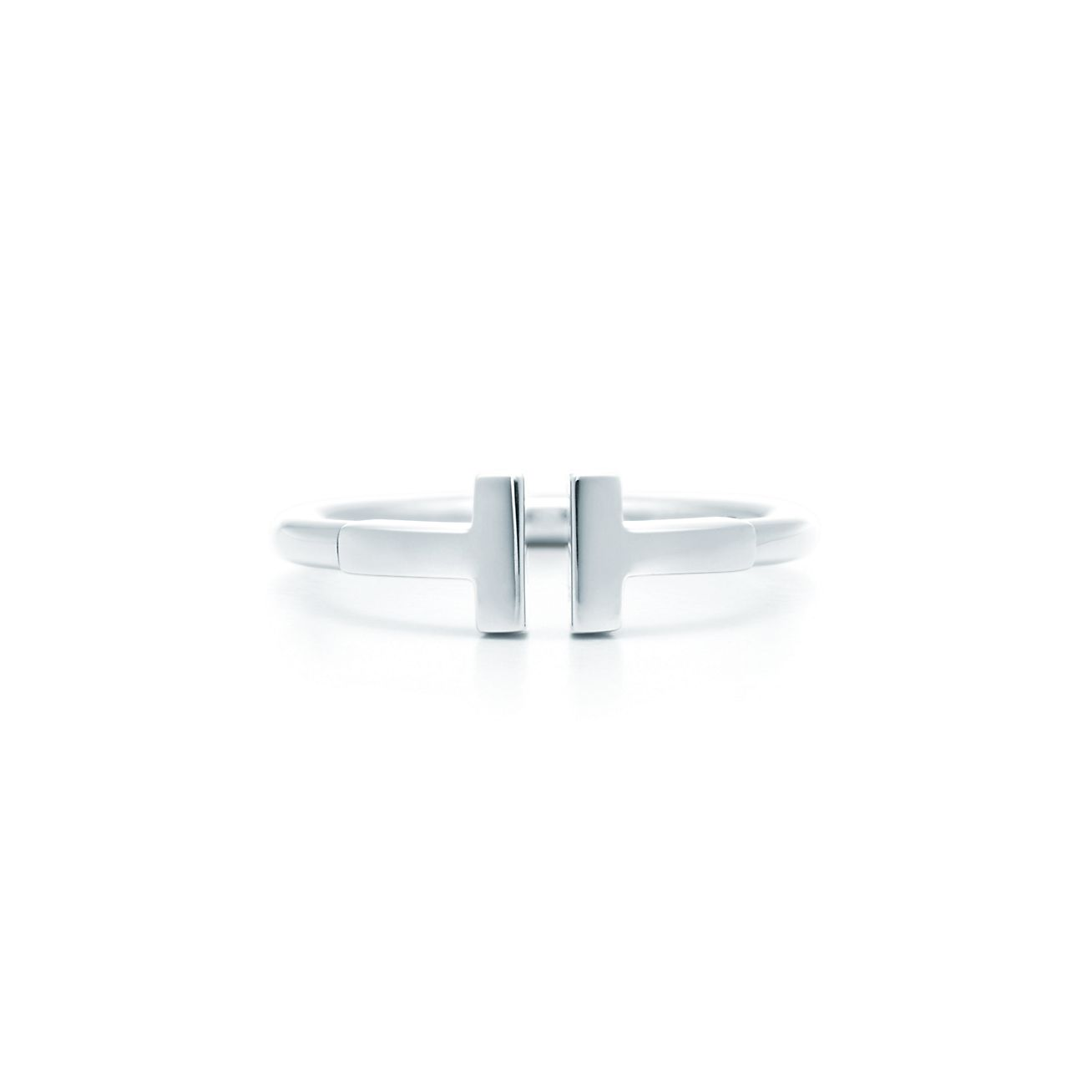 Tiffany T wire ring in 18k white gold. | Tiffany & Co.