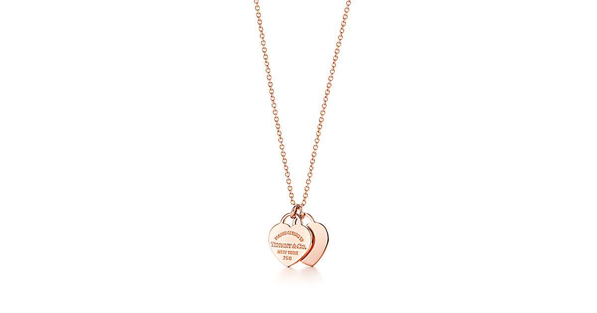 f1967d1bf19e33 Pendentif double Plaque en cœur Return to Tiffany(MC) en or rose 18 carats.    Tiffany   Co.
