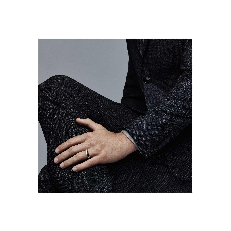 Tiffany Clic Wedding Band Ring Model Shot 2