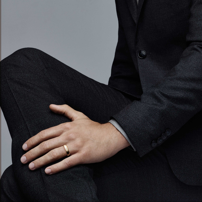 Tiffany Clic Wedding Band Ring Model Shot 1
