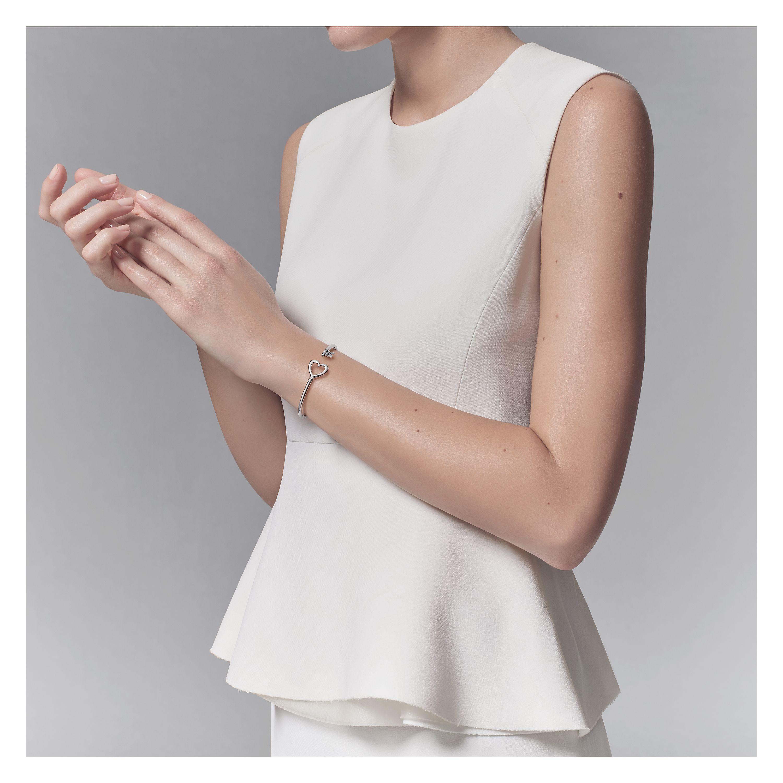 Tiffany Keys wire heart bracelet in 18k white gold, large Tiffany & Co.