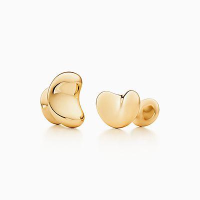 4d58766ebcc Elsa Peretti® Bean Design cuff links in 18k gold.