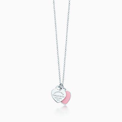 Pendente de coração duplo mini em prata com acabamento em esmalte.  likelike solidReturn to Tiffany™ f5ec9978c4