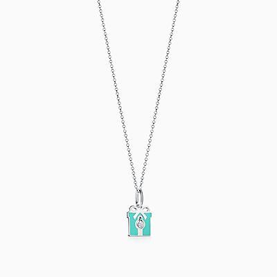 Berloque Diamond Box Tiffany Charms em prata de lei com acabamento azul. e9a535fbc0