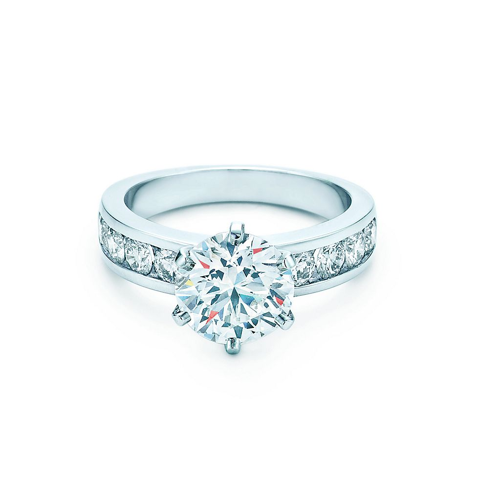 ring gold set i platinium engagement cut emerald halo diamond cts in rings with platinum white