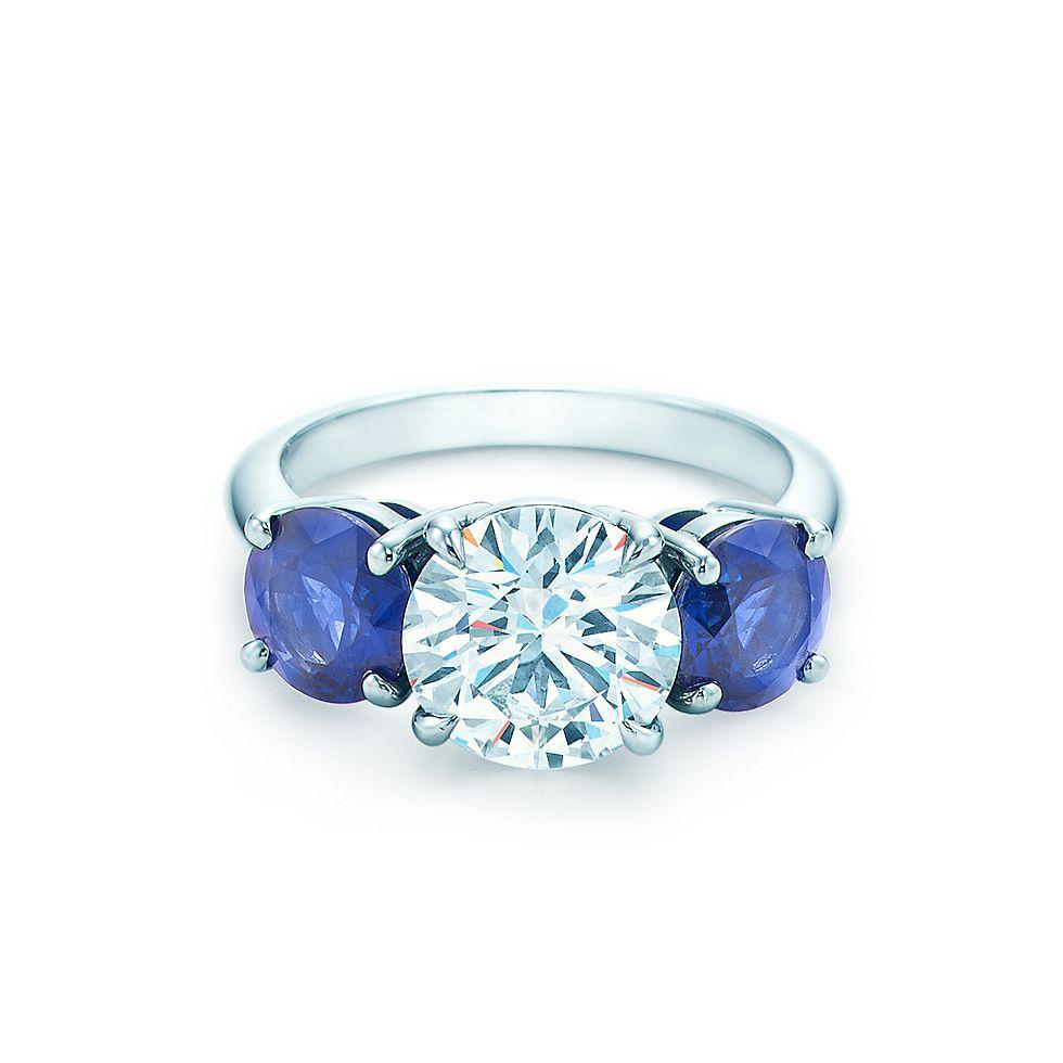 Three Stone Round Brilliant Diamond Engagement Rings  eafb3208bb
