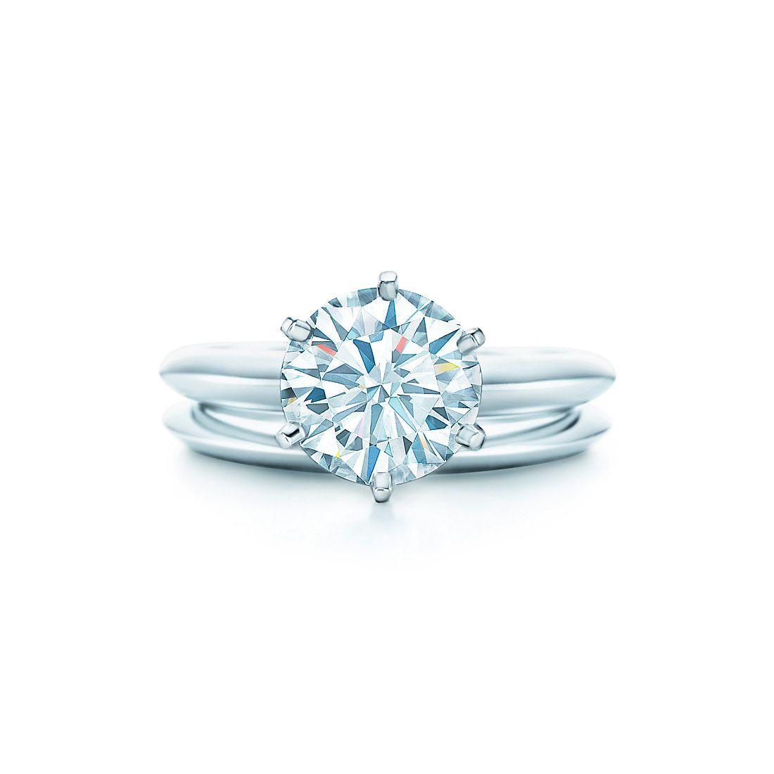 на фото  2,1 кар, второе кольцо — Обручальное кольцо Tiffany 8edd02eb3ca