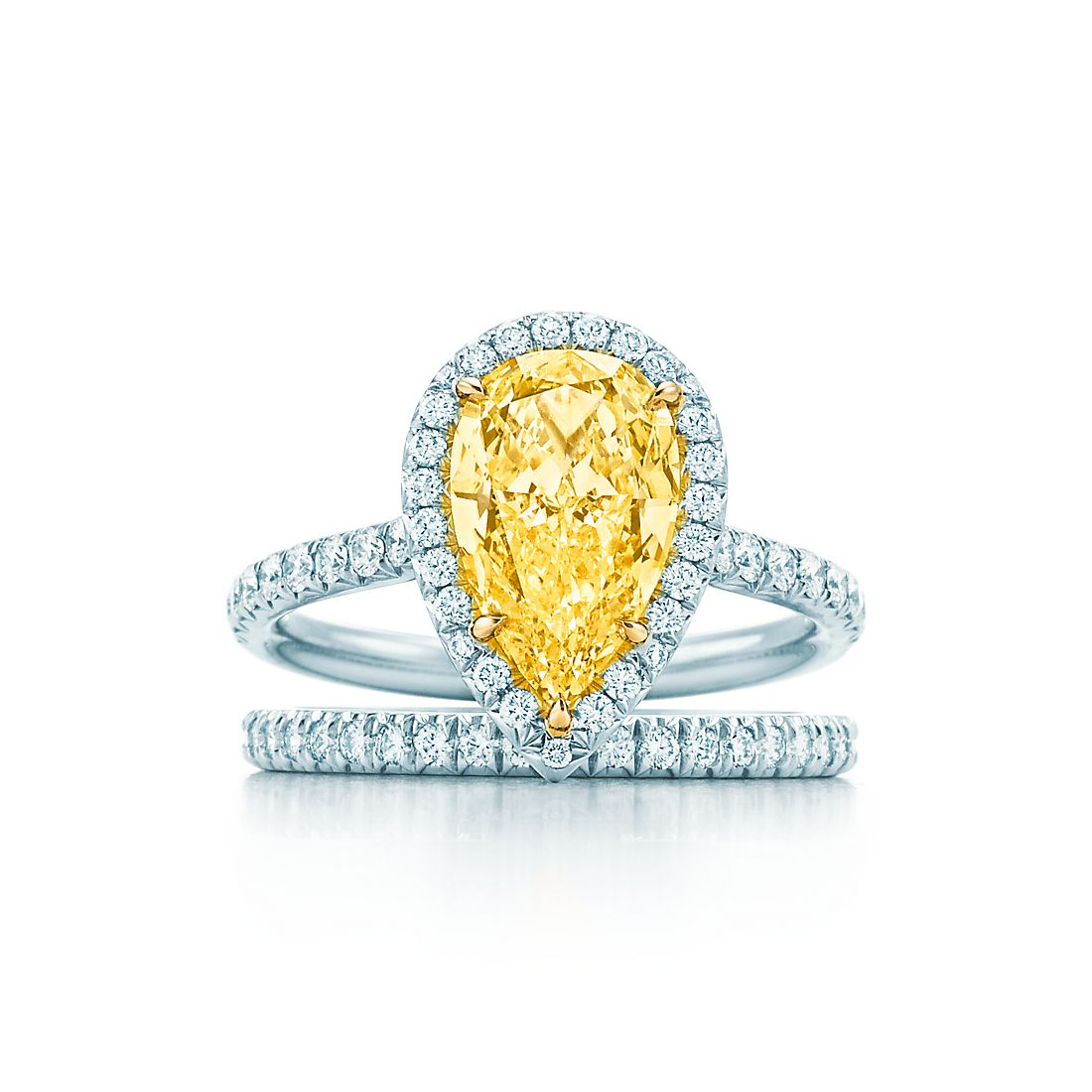 Look - Diamond yellow engagement rings video