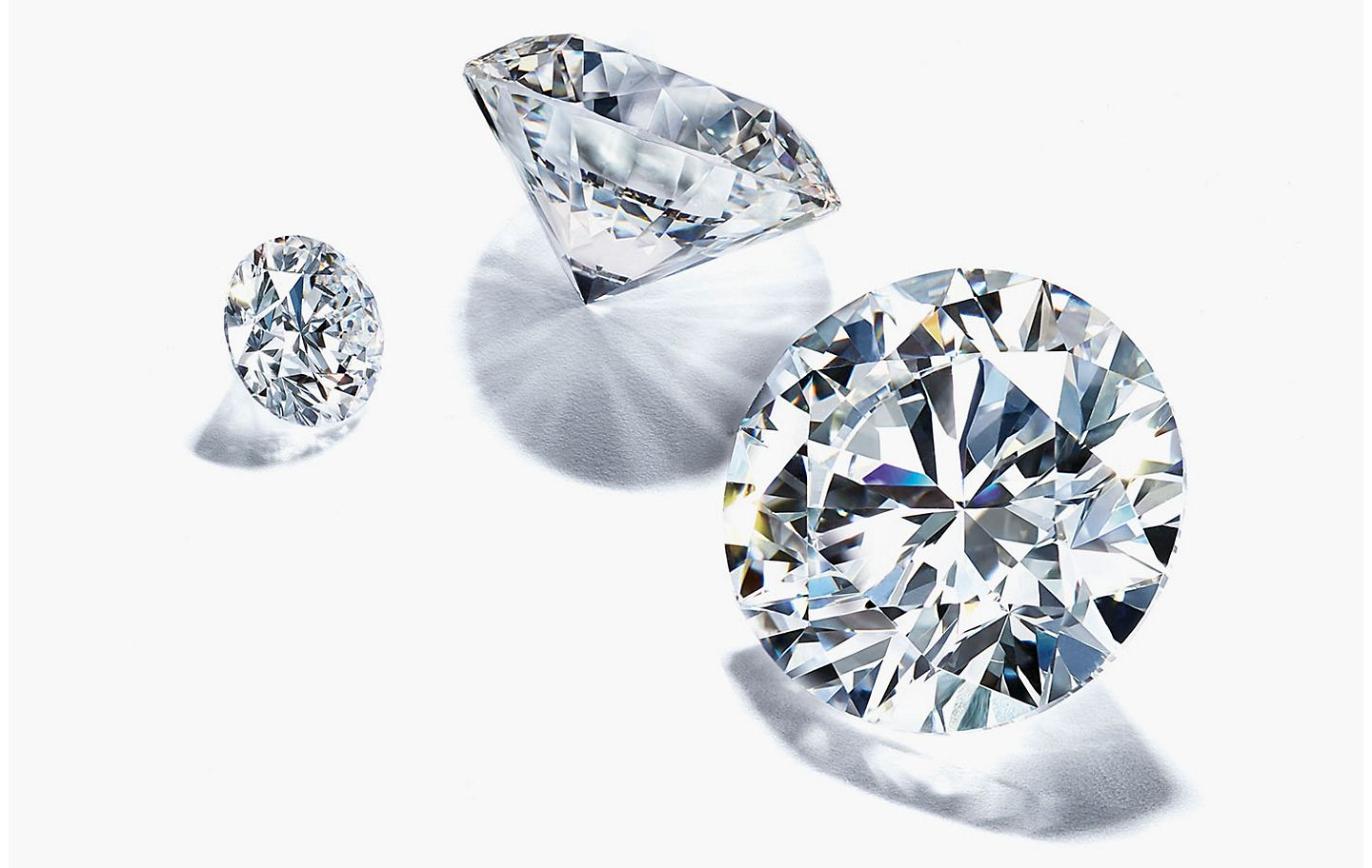 Difference Between a Diamond Cut and a Diamond Shape